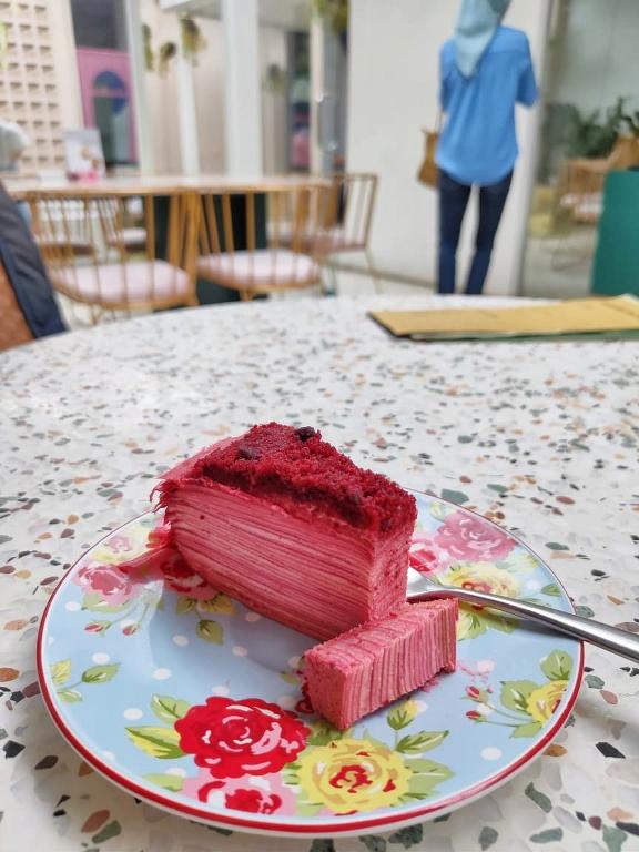 red velvel crepe cake
